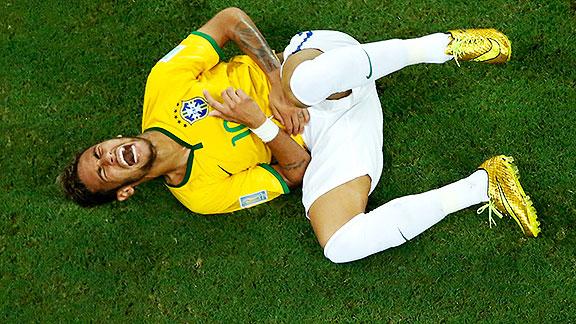 Resultado de imagen para neymar en el piso